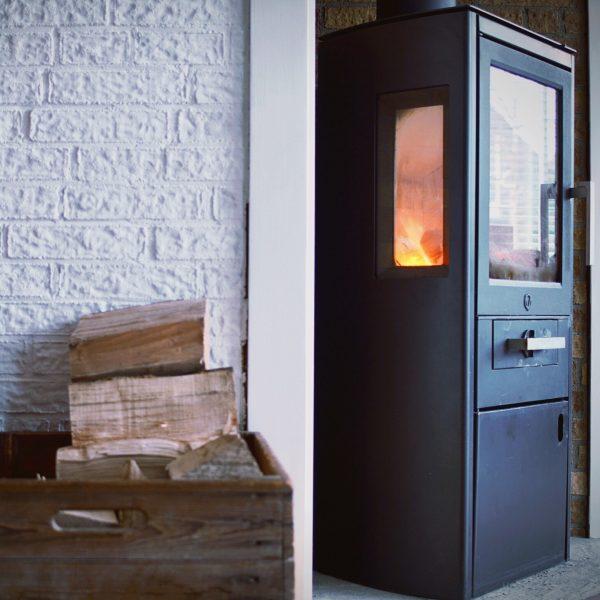 Quelles sont les différences entre un poêle à bois et à granulés?