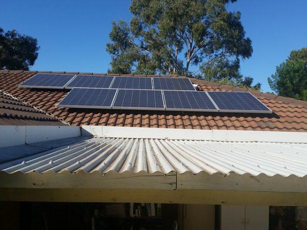 Changer la source d'énergie qui alimente la maison en mode solaire